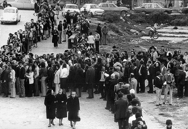 25 abril 1975, primeiras eleições livres
